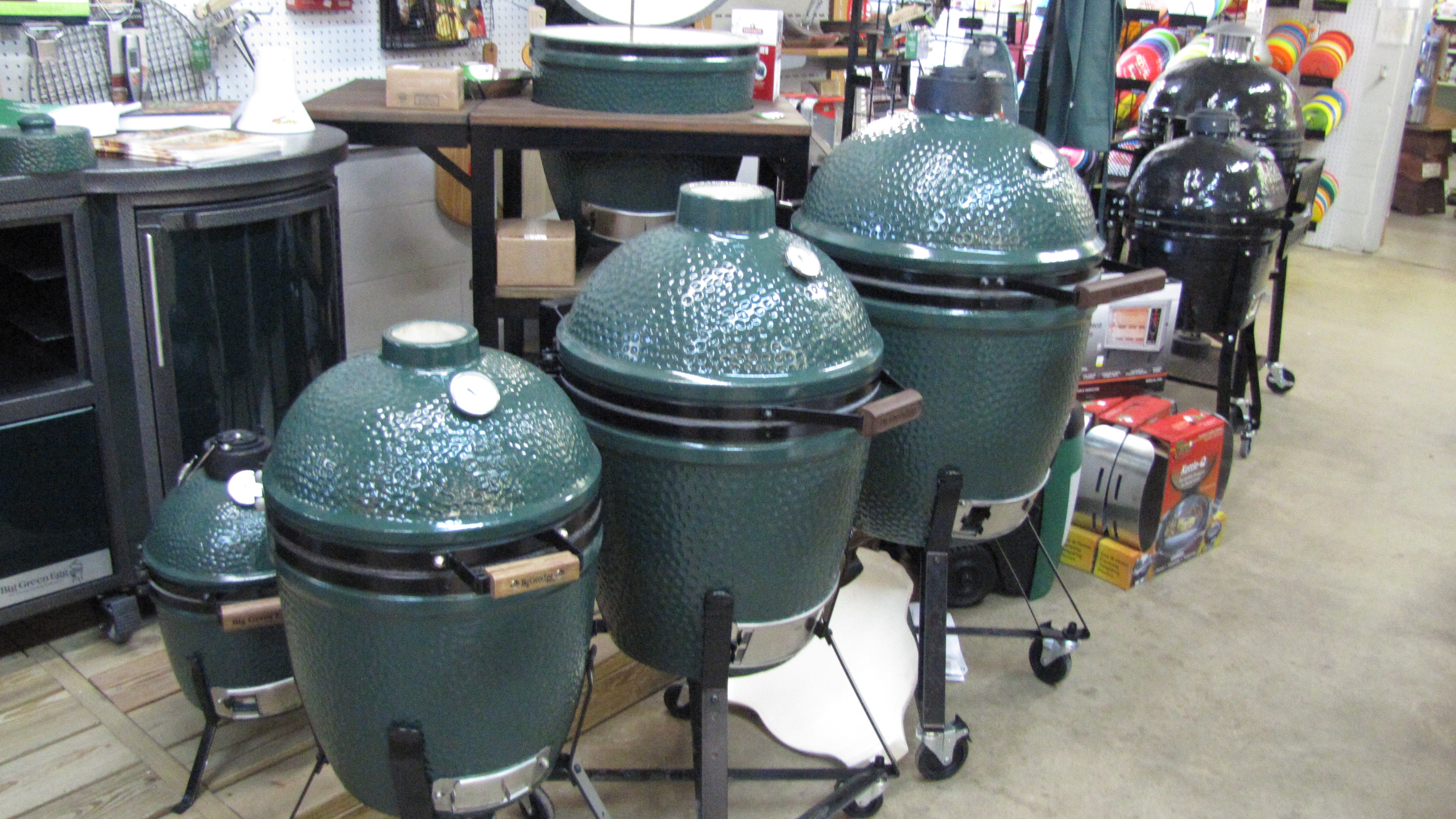 Big Green Egg grill :: Foreman's General Store